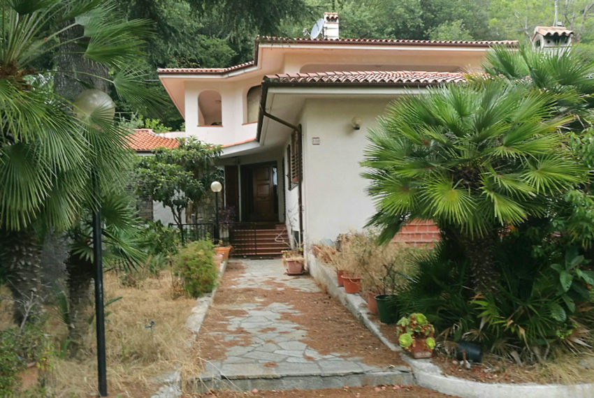 Villa mq 450 terreno nuova costruzione Vallecrosia 1 km mare