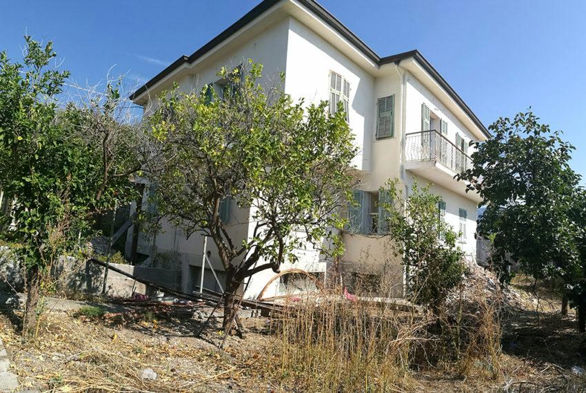 Villa bifamiliare tre livelli giardino vista mare Bordighera